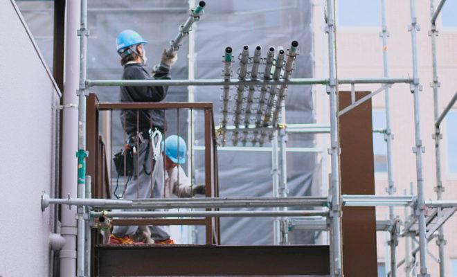 仮設足場の組立と解体作業員