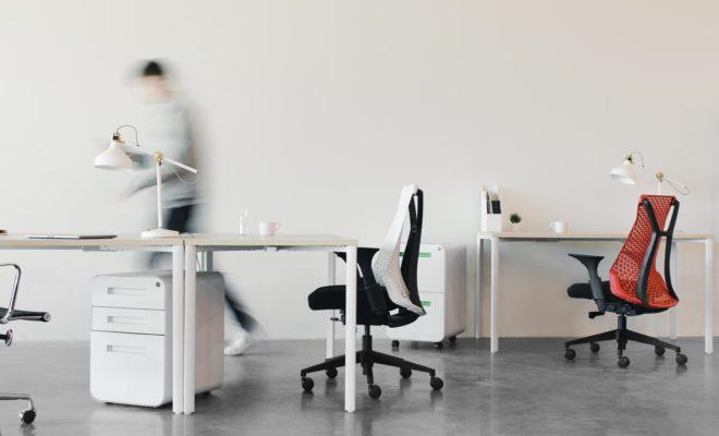 シンプルなオフィスの写真